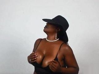 Ebony Domme MistressTemptress