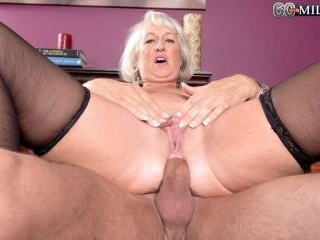 First a dildo, then a cock for Jeannie Lou\'s ass
