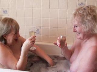Bath Time Fun Pt1
