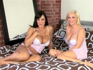 Lisa ann and diamond foxxx , two mature women and