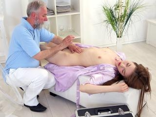 This old goes young masseuse knew where to touch t
