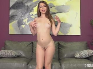 Petite Teen Joseline Kelly Fucks LIVE