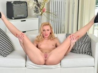 Blonde Goddess
