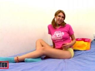 Nice petite arab Dalia removing her clothes
