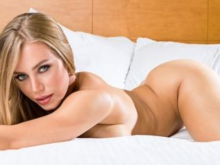 Naughty America - Nicole Aniston