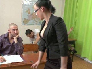 Un cours d\'éducation sexuelle tourne à l\'orgie