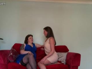British lesbian housewives playing together