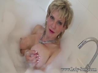 Wank Instruction In The Bath