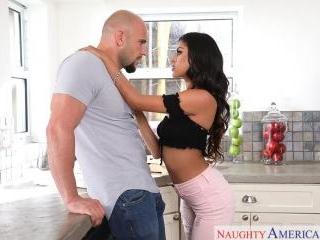 My Sister\'s Hot Friend - Sophia Leone & JMac