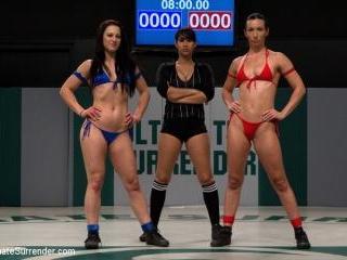 2 strong fitness models battle in brutal non-scrip