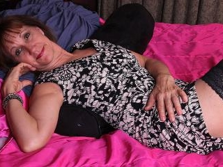 Horny saved mature woman playing with her wet puss
