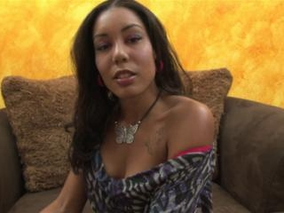 Leah Luxxx in
