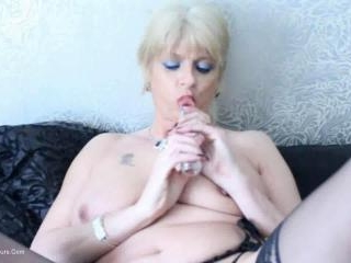 DiMonty & Her Glass Dildo