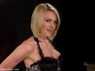 Krissy Lynn Hot Californian blond, suffers her fir