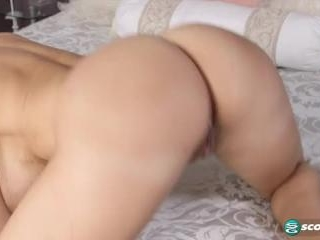Amy Anderssen in A Global Obsession