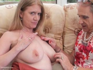 Cum On Lily\'s Tits