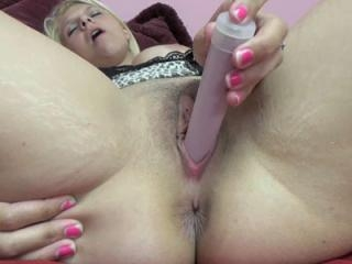 Busty blonde Brianna Johnson rubs her sweet pussy