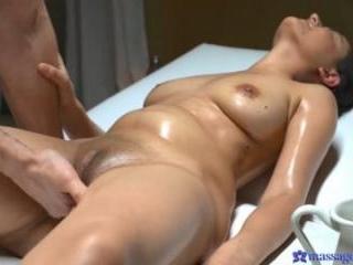 Sexy Afghan Babe Has Sensual Orgasm