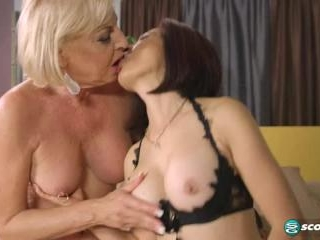 Kim Anh and  Scarlet Andrews in Cum For Scarlet A