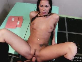 Naughty Schoolgirl - 85009