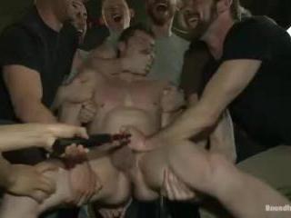 Nasty Straight Bartender Takedown | Kink.com