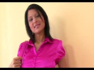 Teen Dreams > Izabella Video