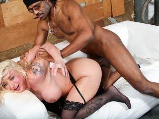 Leya Falcon - Blacks On Blondes