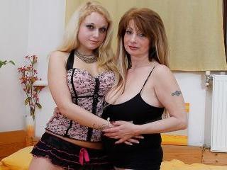 Lesbian-Busty02