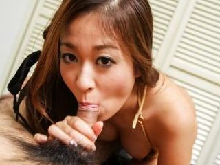 Risa Misaki makes magic on cock with her warm lips