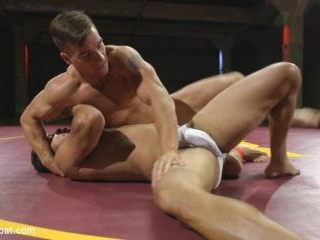 Two beefy hunks duke it out - Loser gets covered i