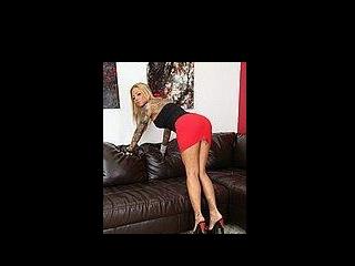 Busty Blonde Britney Shannony Masturbating LIVE!