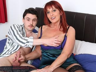 This naughty cougar loves to suck and fuck the coc