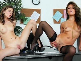 Duo lesbians Charmane Star between Kiera Winters