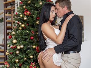 Horny Ana Seduces Stepfather and Fucks Him as Her
