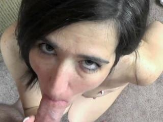 Horny housewife Deliah Dukes plays with her mature