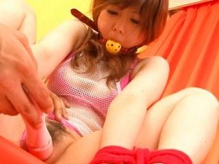 Bondaged Asian cutie Miku Airi gets her pussy stim