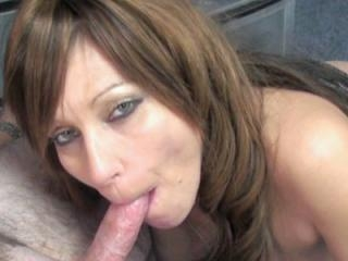 Slutty brunette cougar Brandi Minx is in the offic