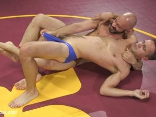Hot Newcomer Max Woods takes on undefeated Dylan S