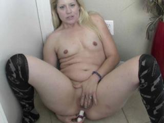 Curvy blonde housewife Lisa is feeling horny and u