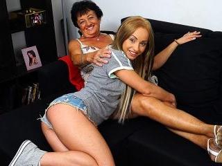 Lesbian-Alex372