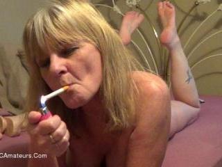 Sexy Smoking Babe