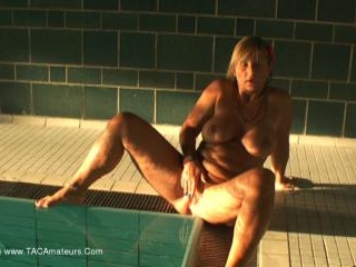 Nude In The Public Pool Pt5