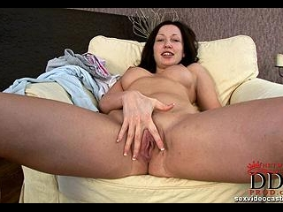 Check this sexy body & horny pussy!