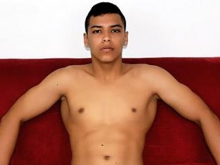 Latino Hunk MorrisCock Shows His Muscles