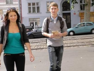 Man pays attractive tourist money for quickie at h