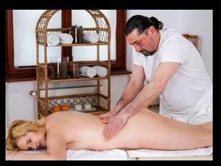 Jennyfer\'s Anal Massage