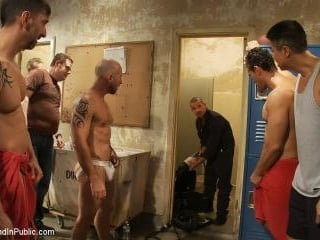 Handyman with a big cock gets tied up and used by