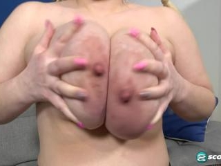 Lola Paradise Does Tits & Tugs For The First Time