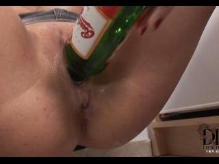 Hot babe enjoying extreme sex toy