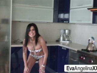 Eva Angelina Wet